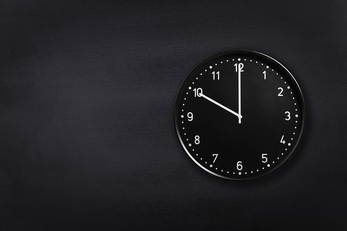 10 O'clock on Black Clock