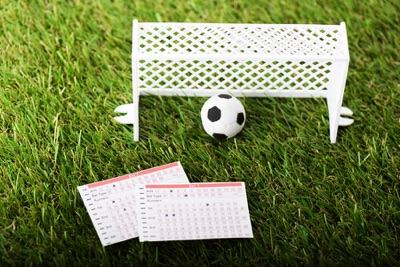 Football betting card