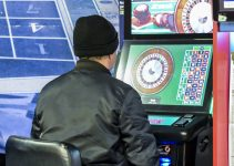 Man playing FOBT